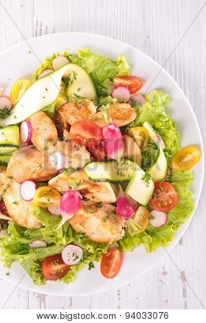 salad with vegetable and chicken