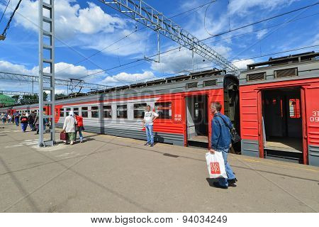 Moscow, Russia - 17.06.2015. Train A Large Russian Carrier Russian Railways At  Leningrad Station. I