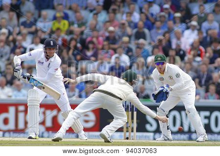 MANCHESTER, ENGLAND - August 04 2013: Steven Smith misses a catch from Stuart Broad as Brad Haddin looks on during day four of  the Investec Ashes 4th test match at Old Trafford Cricket Ground