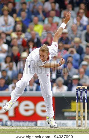 MANCHESTER, ENGLAND - August 04 2013: Stuart Broad bowling during day four of  the Investec Ashes 4th test match at Old Trafford Cricket Ground, on August 04, 2013 in London, England.