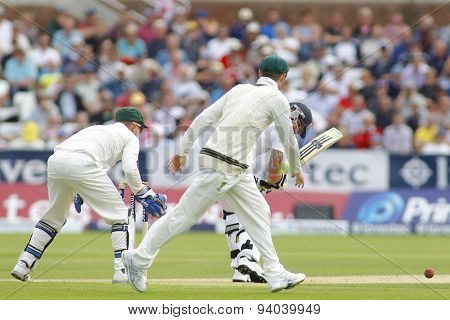 CHESTER LE STREET, ENGLAND - August 09 2013: Brad Haddin, Kevin Pietersen and Michael Clarke during day one of the Investec Ashes 4th test match at The Emirates Riverside Stadium,