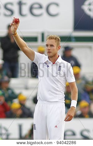 CHESTER LE STREET, ENGLAND - August 12 2013: Stuart Broad raises the ball to acknowledge the crowd after taking 5 wickets during day four of the Investec Ashes 4th test match