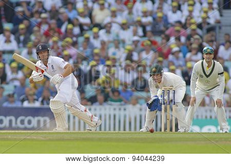LONDON, ENGLAND - August 25:  Jonathan Trott Brad Haddin and Michael Clarke during the Investec Ashes cricket match between England and Australia played at The Kia Oval Cricket Ground