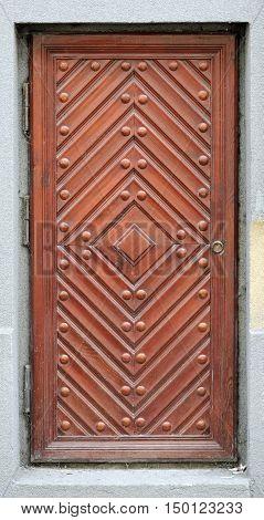 Old brown excellent wooden doors on the waal