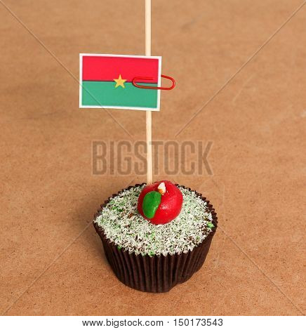 burkin faso flag on a apple cupcakepicture of a
