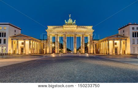 Panorama of the Brandenburger Tor in Berlin at night
