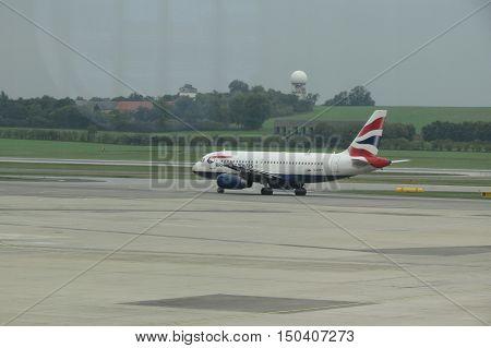 VIENNA SCHWECHAT AUSTRIA - CIRCA OCTOBER 2015: Airbus 319-100 aircraft of the British Airways at the airport.
