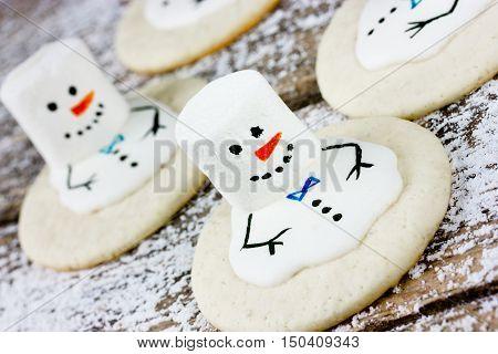 Melting Snowman Christmas white marshmallow cookie recipe