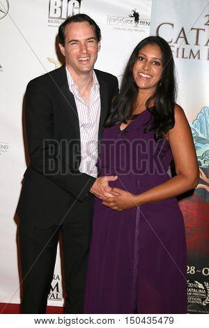LOS ANGELES - OCT 1:  Jonathan Sheldon, wife at the Catalina Film Festival - Saturday at the Casino on October 1, 2016 in Avalon, Catalina Island, CA