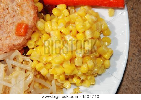 Sweet Corn Kernels In Mixed Salad