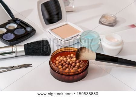 cosmetic things for best makeup on white