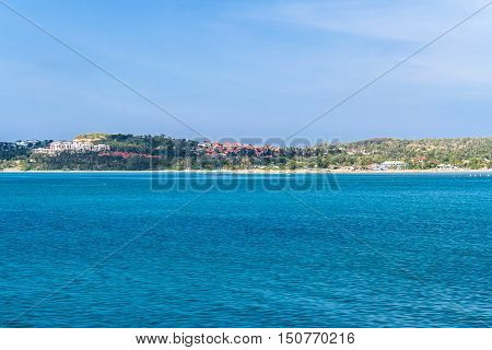 Calm sea and blue sky with clear bright sky in vacations on summer andaman Sea thailand