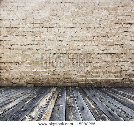 viejo interior con pared de ladrillo