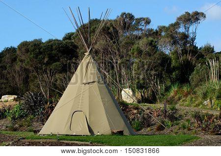 Tipi Tepee Teepee - American Indian Tent