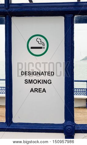 Outdoor Sign Permitting Smoking In Uk