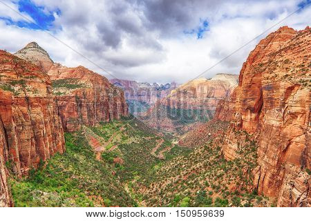 Amphitheater of East Temple seen from Canyon Overlook, Zion  National Park, Utah, USA.