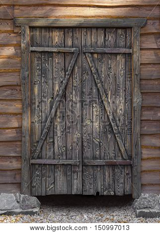 architectural element old the wooden gate closeup