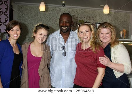 LOS ANGELES - NOV 5:  Erica Trullinger, Taylor Spreitler, Alimi Ballard, Melissa Joan Hart, Caren Day at the
