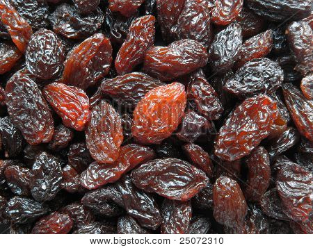 Closeup of raisins.