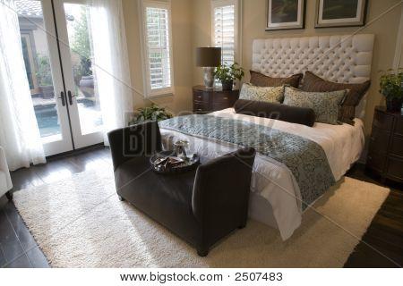 Bedroom 2709