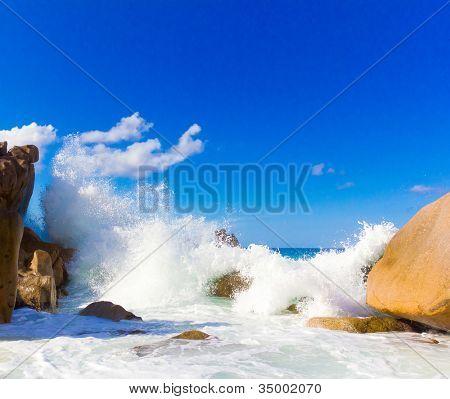 Oceano de espuma de fuga