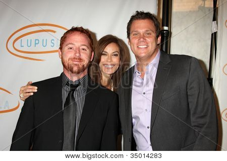 LOS ANGELES - MAY 12:  Scott Grimes, Teri Hatcher, Bob Guiney arriving at the 11th Annual Lupus LA Orange Ball at Beverly Wilshire Hotel on May 12, 2011 in Beverly Hills, CA