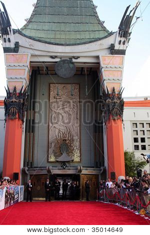 LOS ANGELES - JUL 17:  Graumans Chinese Theater Exterior at the