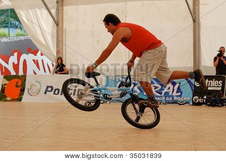 Manuel Valonero In The Flatland Field Control'07