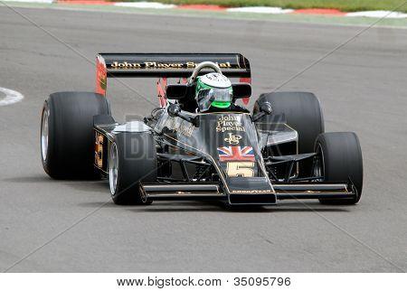 Lotus Type 77