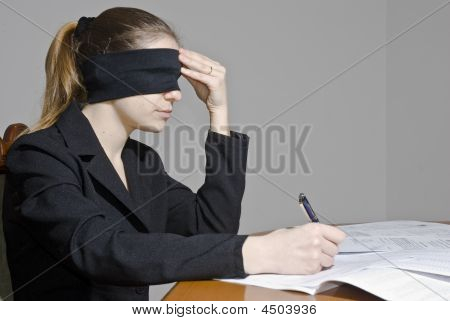Blindfold Decisions