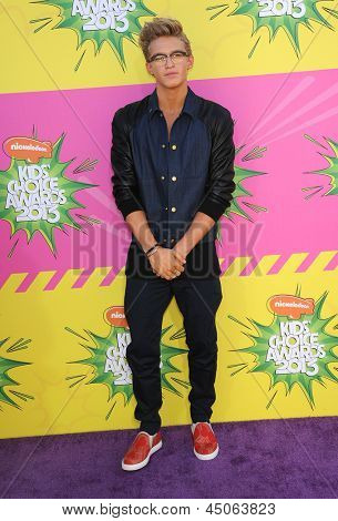 LOS ANGELES - MARCH 23:  Cody Simpson arrives to the Kid's Choice Awards 2013  on March 23, 2013 in Los Angeles, CA.