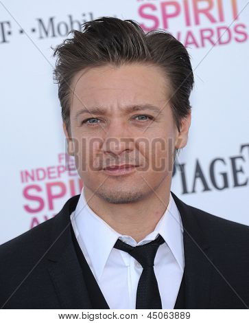 LOS ANGELES - FEB 23:  Jeremy Renner arrives to the Film Independent Spirit Awards 2013  on February 23, 2013 in Santa Monica, CA.