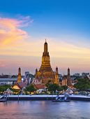 Wat Arun, Landmark and No. 1 tourist attractions in Thailand