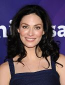 LOS ANGELES - APR 22:  Joanne Kelly arrives to the NBC Universal Summer Press Day 2013  on April 22,