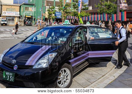 Taxi at Dazaifu Tenmangu