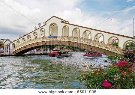 An Arch Bridge Over The Malacca River Near Jambatan Old Bus Station