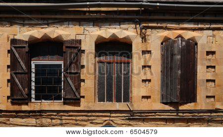 Three Window