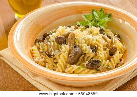 Fusilli with mushrooms