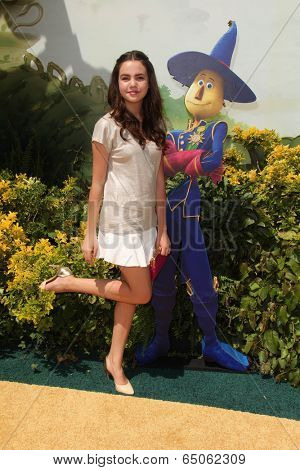 LOS ANGELES - MAY 3:  Bailee Madison at the