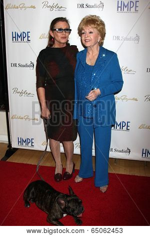 LOS ANGELES - MAY 14:  Carrie Fisher, Debbie Reynolds at the