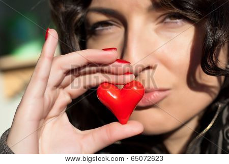 Valentines Kiss With Heart