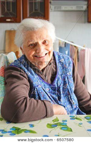 beautifull elderly smiling