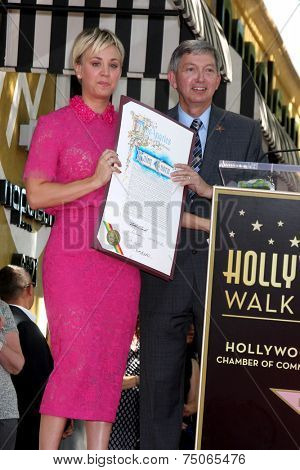 LOS ANGELES - OCT 29:  Kaley Cuoco, Leron Gubler at the Kaley Cuoco Honored With Star On The Hollywood Walk Of Fame at the Hollywood Blvd. on October 29, 2014 in Los Angeles, CA