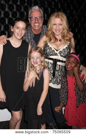 LOS ANGELES - OCT 29:  Chris Duddy, Joely Fisher, Skylar Fisher-Duddy, Olivia Fisher-Duddy, True Fisher-Duddy as Joely's Birthday with family at STIR Restaurant on October 29, 2014 in Sherman Oaks, CA