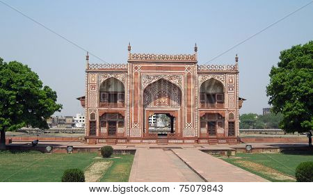 Gate Of The Tomb Of Itimad-ud-daulah