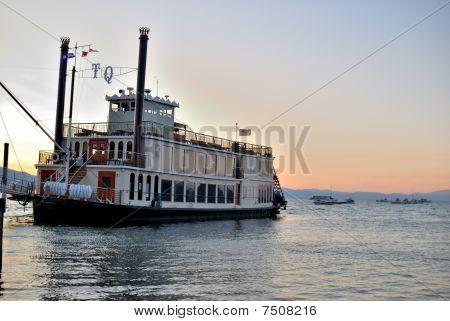 Tahoe Queen Boat