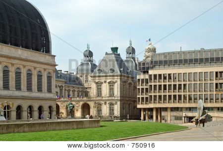 Louis Pradel Plaza (lyon - Francia)