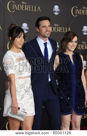 LOS ANGELES - MAR 1:  Chloe Bennet, Brett Dalton, Elizabeth Henstridge at the