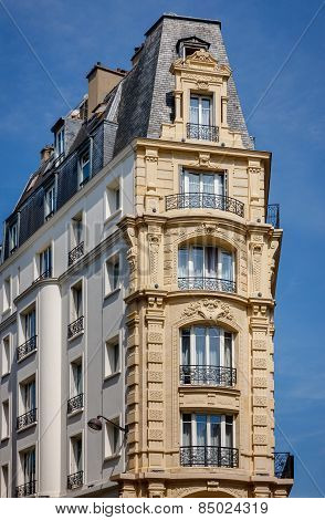 Paris Building Built In 1900 With Slate Mansard Roof