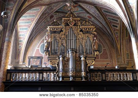 ST. WOLFGANG, AUSTRIA - DECEMBER 14: Organ in the choir of Parish church in St. Wolfgang on Wolfgangsee in Austria on December 14, 2014.